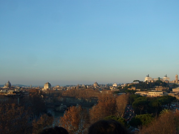 Vue sur les toits de Rome parc Savello