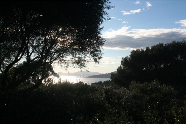 coucher de soleil sur la baie de Cannes depuis le phare de la Garoupe