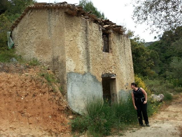 Maisonnette abandonnée vue lors de la randonnée dans le vallon obscur du Donaréo à Nice