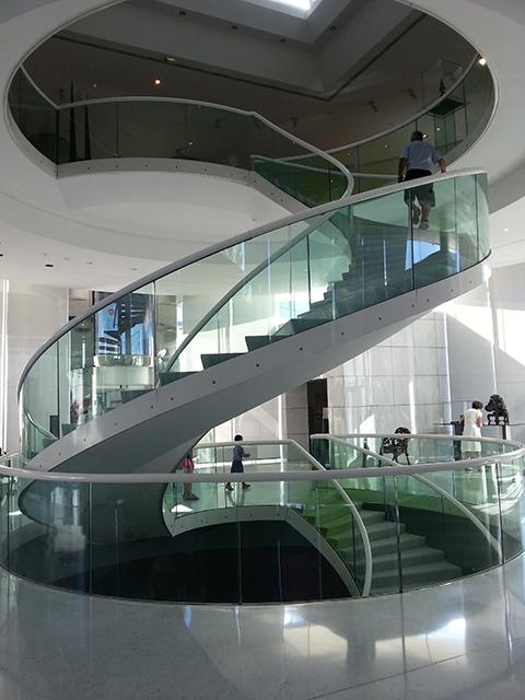 escaliers en colimaçon du musée des Arts Asiatiques de Nice
