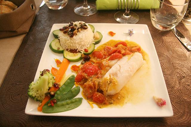 Cabillaud et tomates cerises au pistou du restaurant la Taille de Guepe à Antibes
