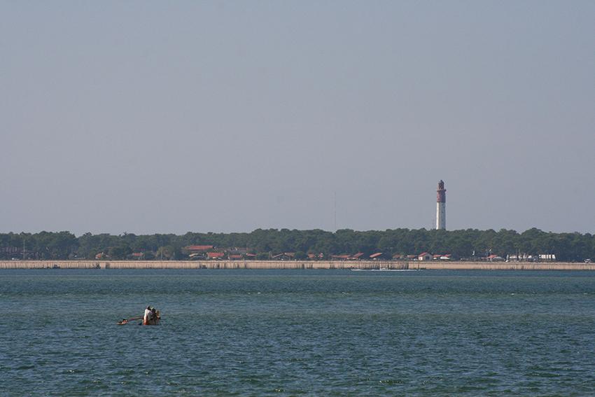 Vue sur le phare du cap ferret depuis Arcachon