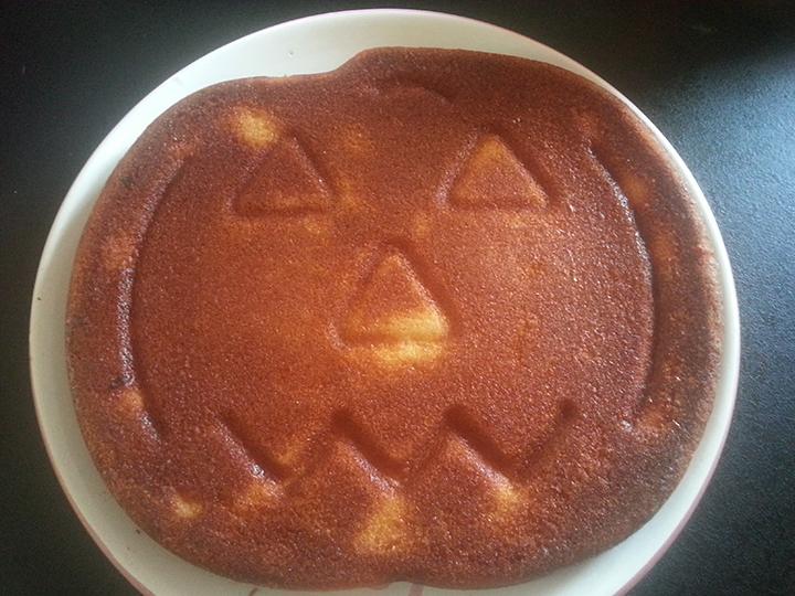 Recette Halloween, moule à gâteau forme citrouille
