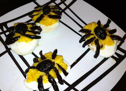 Recette d'Halloween en cuisine, oeuf mimosa araignée