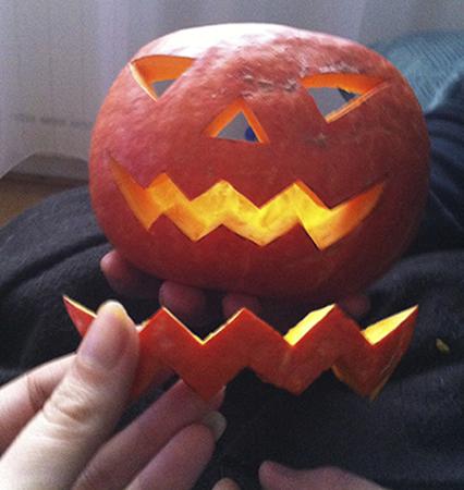 Recette Halloween de cuisine, découpage du Jack O'Lantern