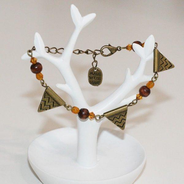 Bracelet d'inspiration aztèque ethnique triangle bronze à motifs par Divine et Féminine.