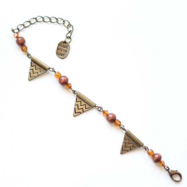 Bracelet triangle aztèque en laiton couleur bronze par Divine et Féminine.