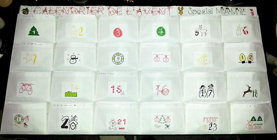 Fabriquer un calendrier de l'avent avec des enveloppes.