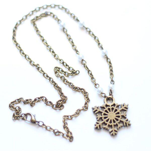 Collier neige d'Hiver avec son flocon en laiton couleur bronze, par Divine et Féminine.