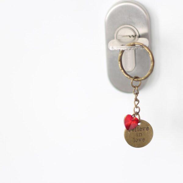 Porte clefs amour believe in love par Divine et Féminine.