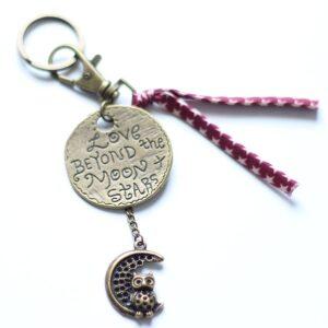 Porte clefs lune chouette par Divine et Féminine.