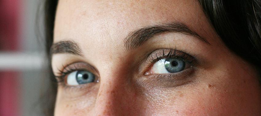 Résultat sur les cils après l'utilisation du mascara Volume & Green de Boho Cosmetics.