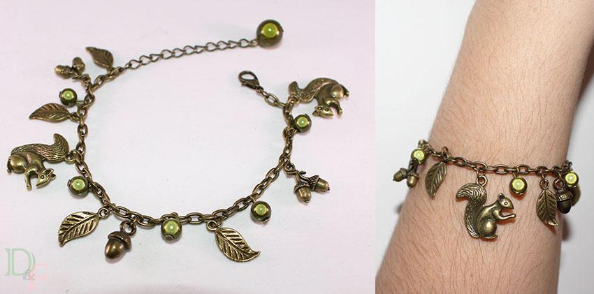 Bracelet écureuil et gland en métal couleur bronze, création originale de Divine et Féminine.