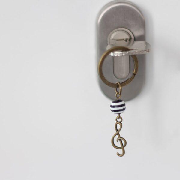 Porte clefs musique pour musicienne par Divine et Féminine.