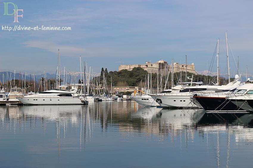 Antibes, port Vauban et fort carré.