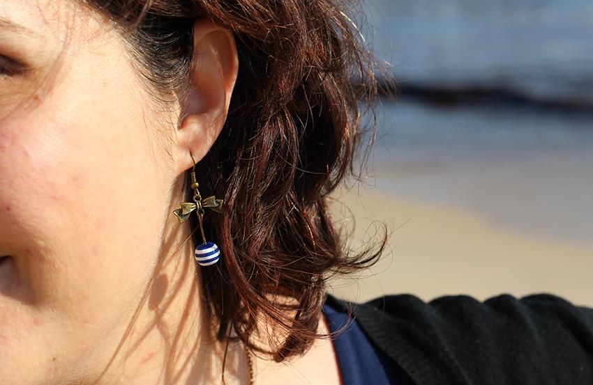 Boucles d'oreilles noeud et marinière.