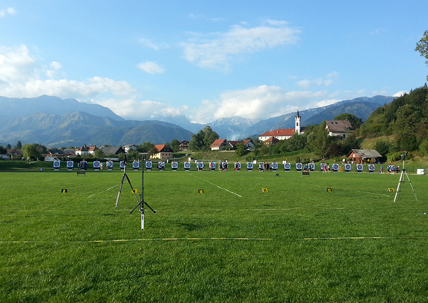 Tournois européen de tir à l'arc par équipe de clubs, à Kamnik (Slovénie), en septembre 2013