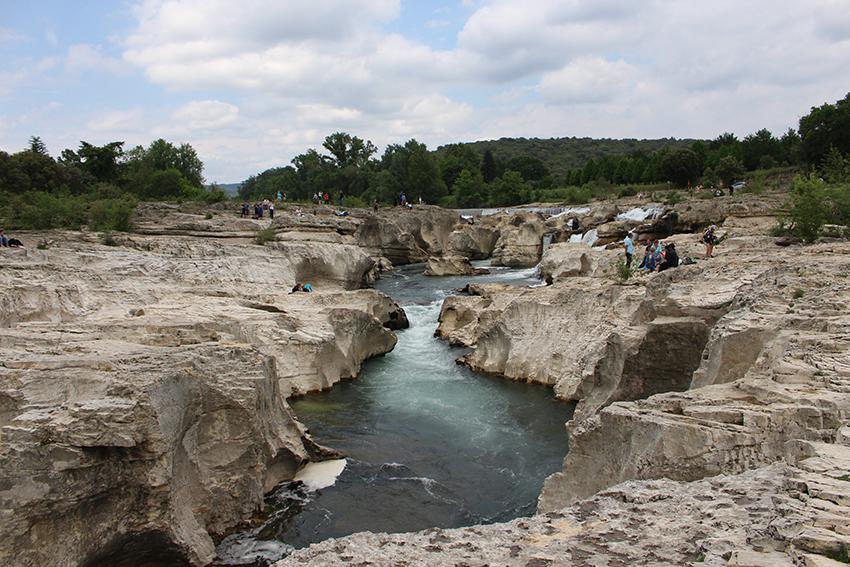 Promenade à la découverte des cascades du Sautadet.