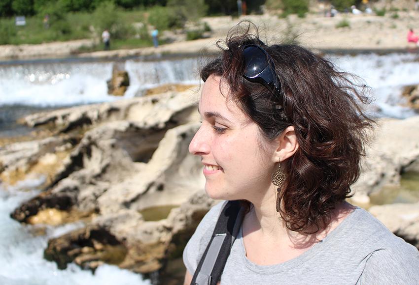 Look devant les cascades du sautadet avec les boucles d'oreilles dreamcatcher.