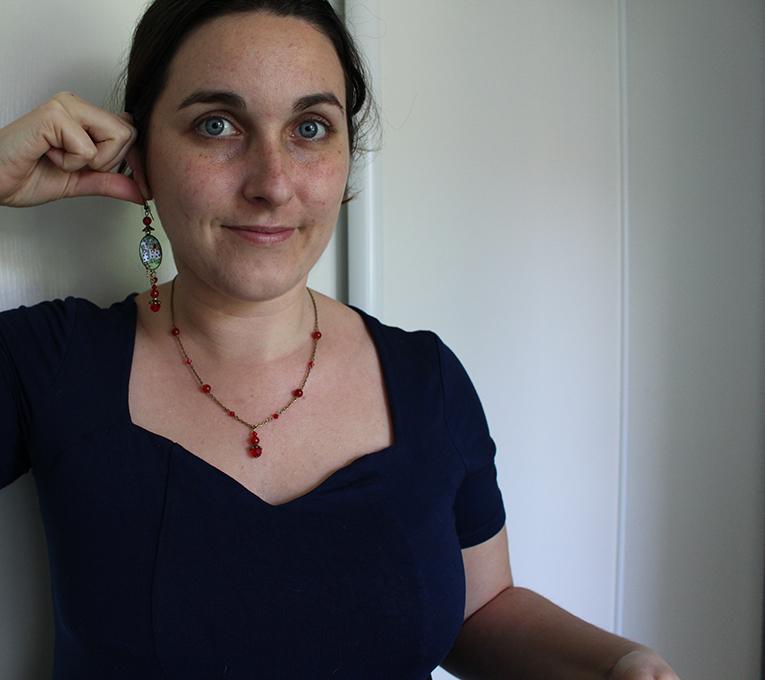 Commande personnalisée, boucles et collier Alice.
