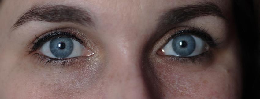 Résultat eyeliner bio Boho cosmetics, trait fin.