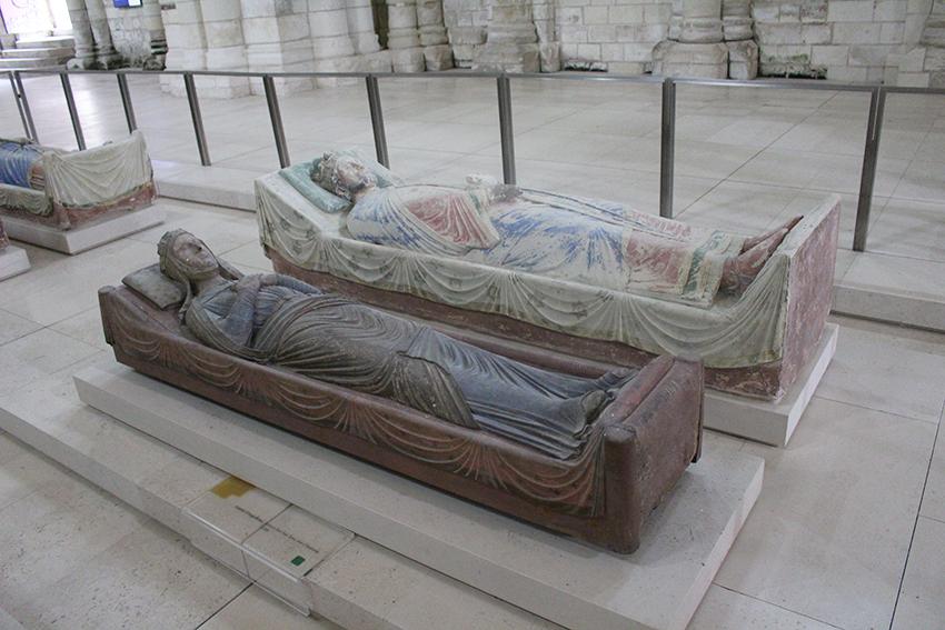 Gisants royaux de l'Abbaye de Fontevraud.