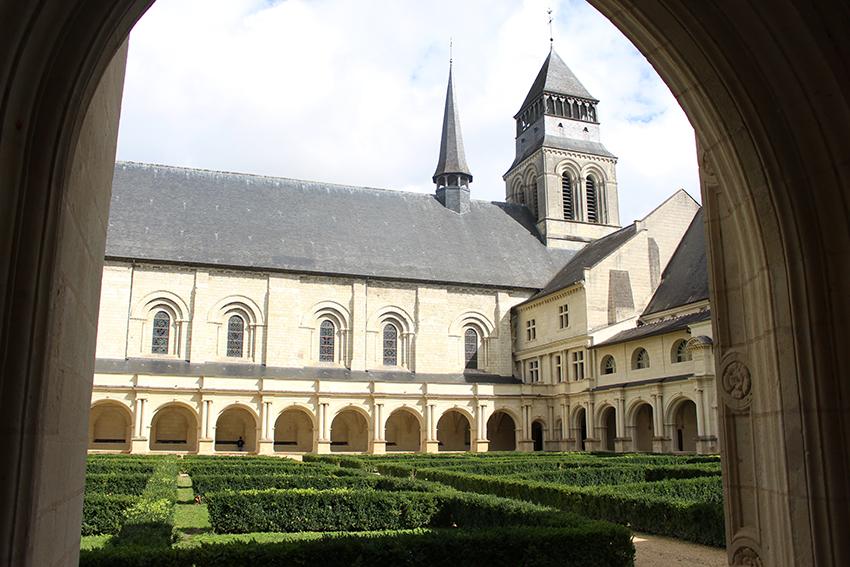 Cloitre de l'Abbaye royale de Fontevraud.