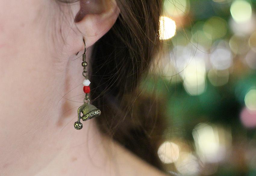 Boucles d'oreilles bonnet du père Noël, par Divine et Féminine.