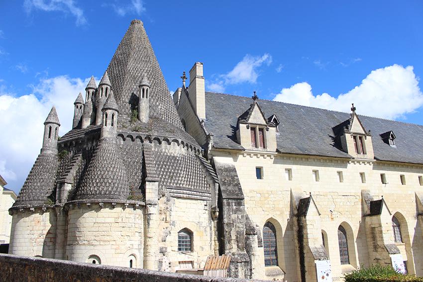 Fumoirs de la cuisine de l'Abbaye royale de Fontevraud.