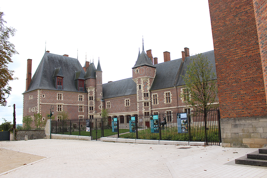 Châteaux de la Loire : château de Gien.