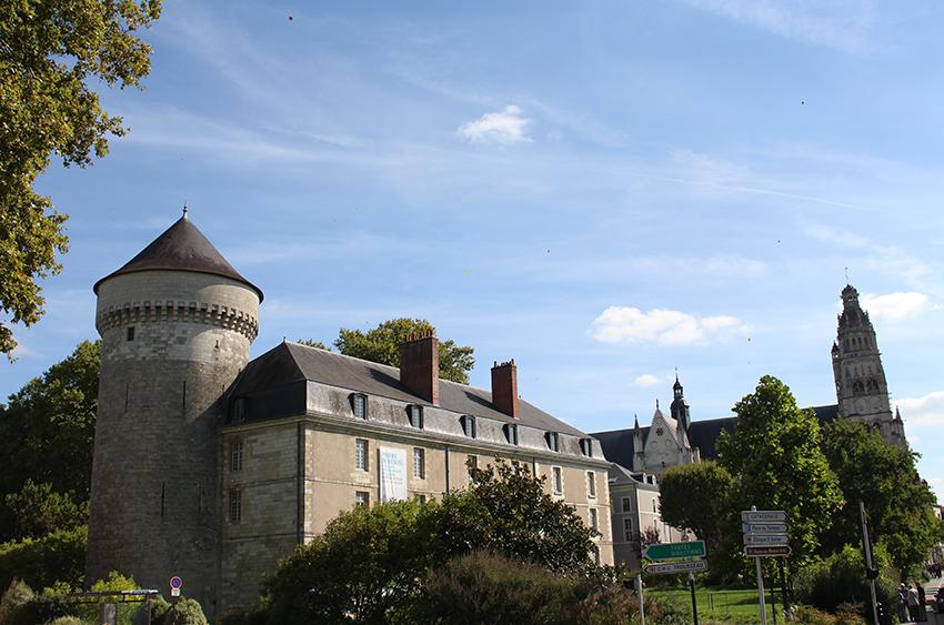 Château royal de Tours.