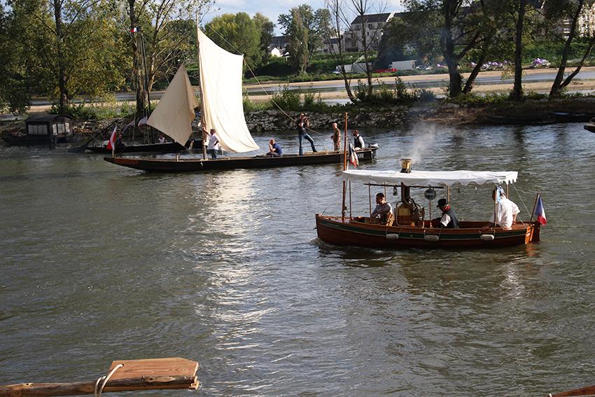 Bateau à vapeur, durant le festival de Loire, à Orléans.