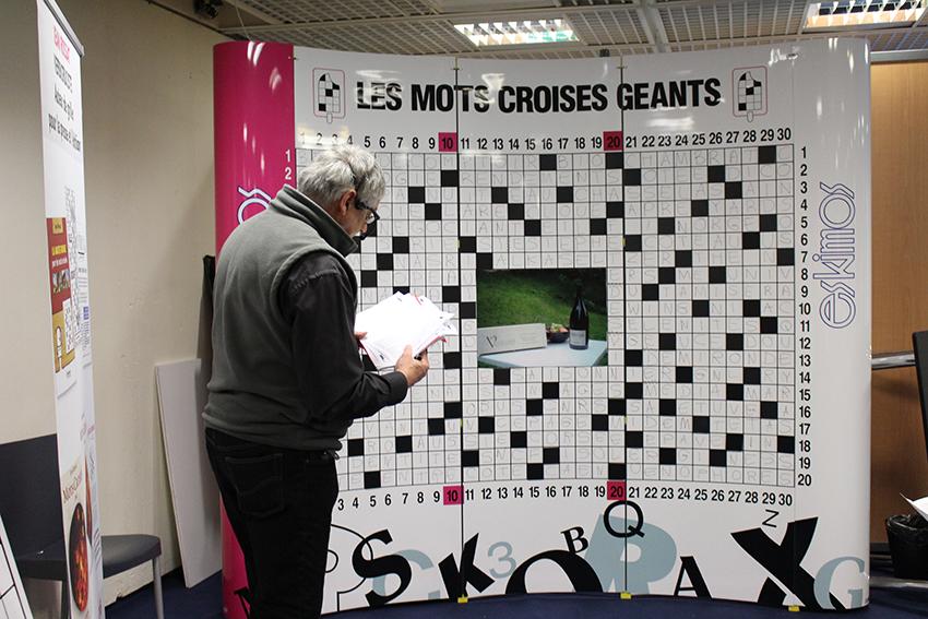 Mots croisés géant au Festival International des Jeux, à Cannes.