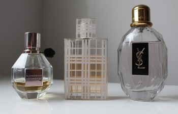 Mes parfums de Printemps : Flowerbomb de Viktor&Rolf, Brit de Burberry, et la Parisienne d'Yves Saint Laurent.