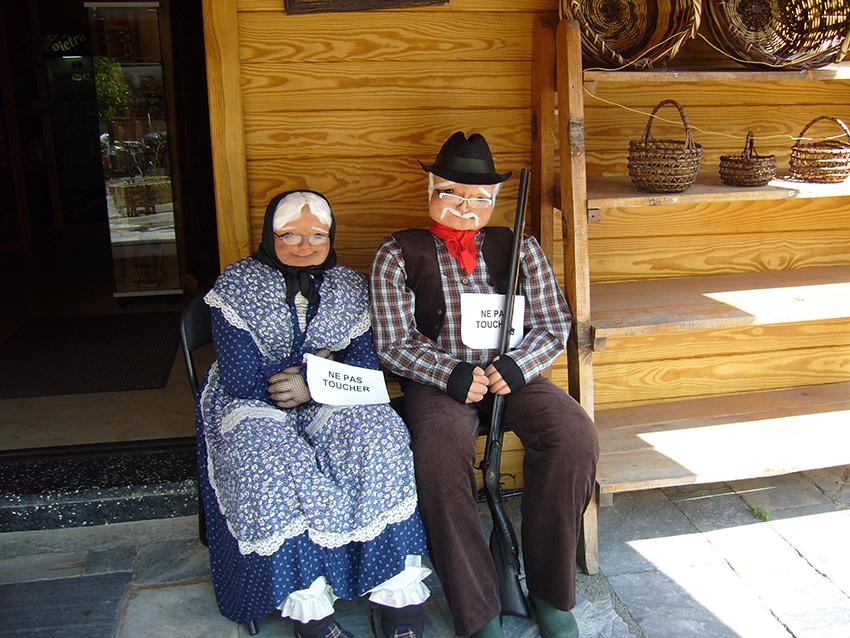 Costumes traditionnels de bergers corses.