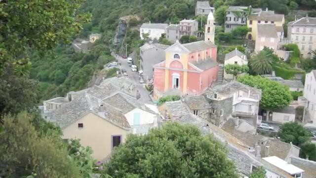 Eglise du village de Nonza, cap corse.