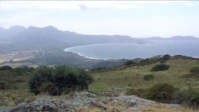 Vue sur le Golfe de Calvi (Corse) depuis le village abandonné d'Occi.