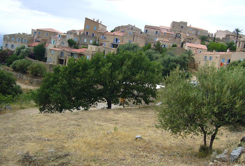 Village de Pigna, en Corse.
