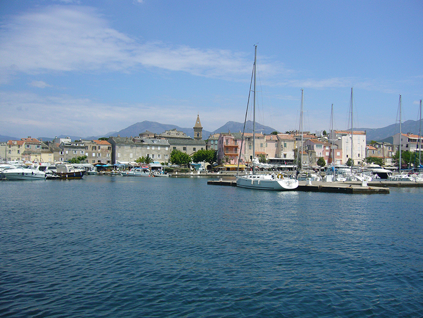 Port de Saint-Florent, en Corse.