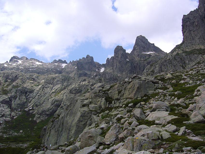 Chaîne montagneuse de Corse, vallée de la Restonica.