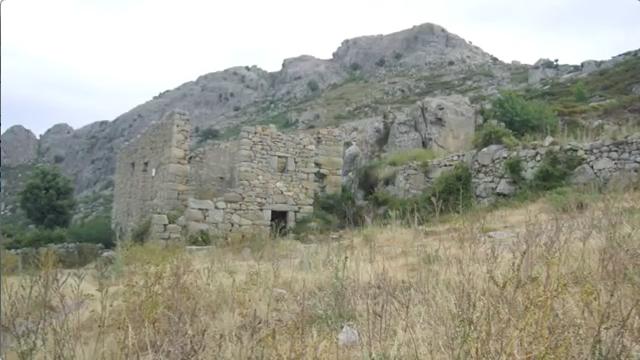 Ruines du village abandonné d'Occi, en Corse.
