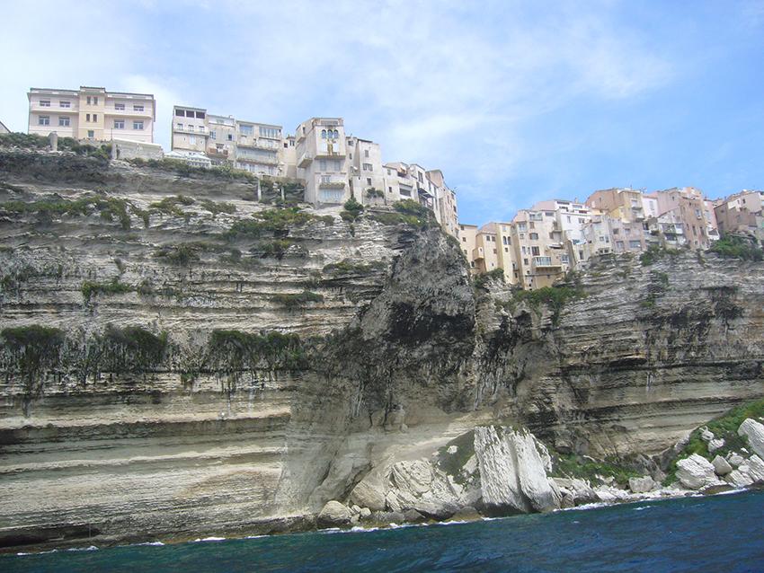 Ville de Bonifacio, coté falaises.
