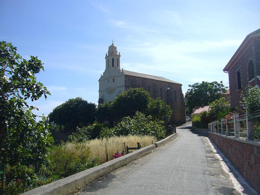 Eglise catholique de rite byzantin à Cargèse, en Corse.
