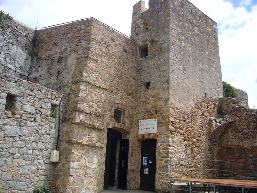 Bastion de France, vestige de la citadelle de Porto-Vecchio.