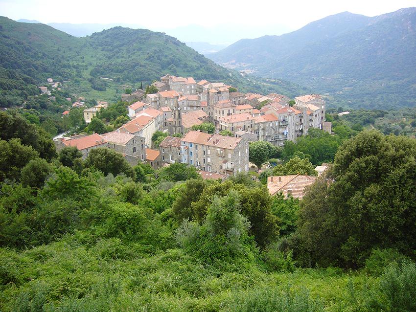 Village de Sainte-Lucie de Tallano, en Corse.