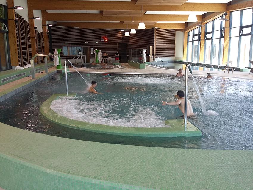 Piscines et jets hydromassants des thermes valvital à Berthemont-les-bains.