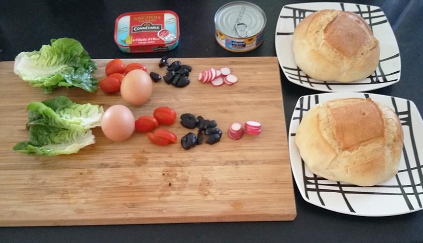 Ingrédients nécessaires à notre recette de pan bagnat façon antiboise.