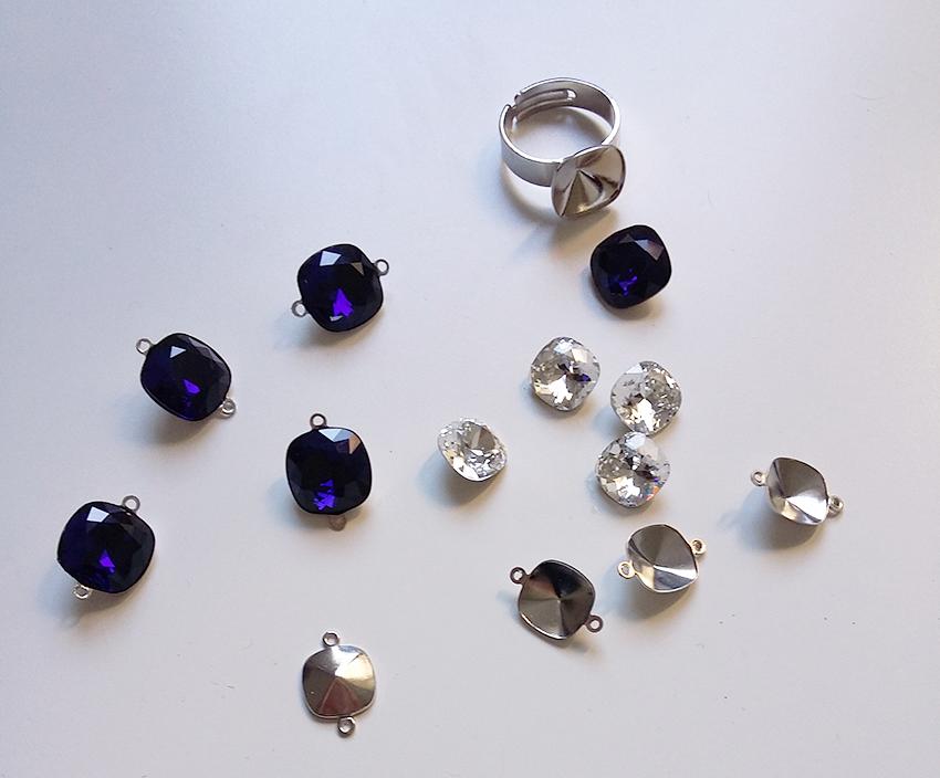Bague cristal bleu nuit créée sur mesure par Divine et Féminine.