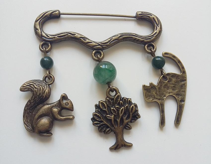Broche bronze nature créée sur mesure par Divine et Féminine.
