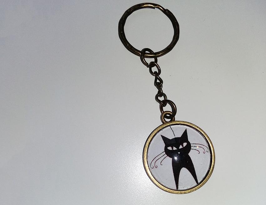 Porte-clé chat noir créé sur mesure par Divine et Féminine.